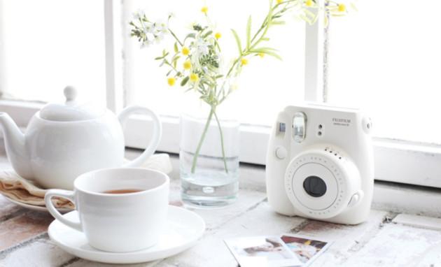 Digital-Cameras-Fujifilm-instax-mini-8